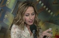 Chely Wright – Hanging Out Your Heart (Live)