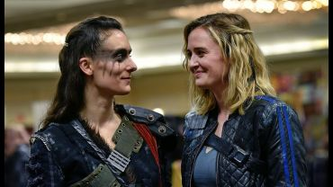 HEARTS ON FIRE: Fans at ClexaCon