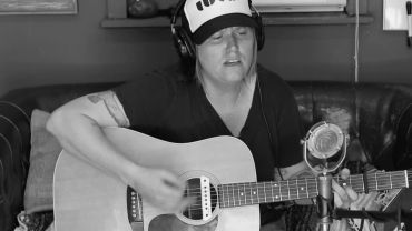 """Garrison Starr – """"Mad About You"""" (Belinda Carlisle Cover)"""