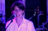 Heather Peace – Lightbulb (Live & Acoustic)